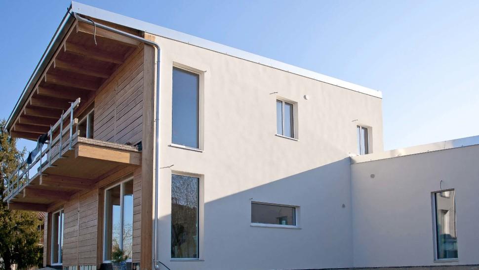 Casa indipendente in legno bbs a due piani a cherasco for Registrare i piani di casa