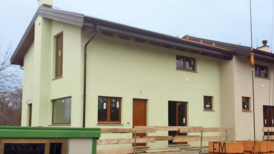 Bioedilizia casa in legno a telaio a due piani a cervasca for Piani di casa bungalow 2 piani