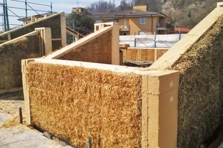 Case di legno e paglia